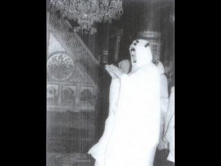 الملك سعود يأم المصلين فى المسجد النبوي الشريف