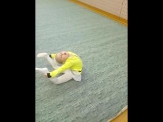 наша гимнастка!