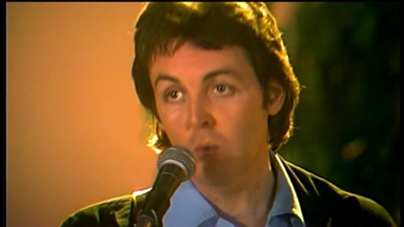 Paul McCartney – With a Little Luck (21.03.1978) The McCartney Years (12.11.2007)
