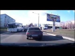 ДТП У автобуса отказали тормоза. Водитель молодец! Ильинка г. Новокузнецк