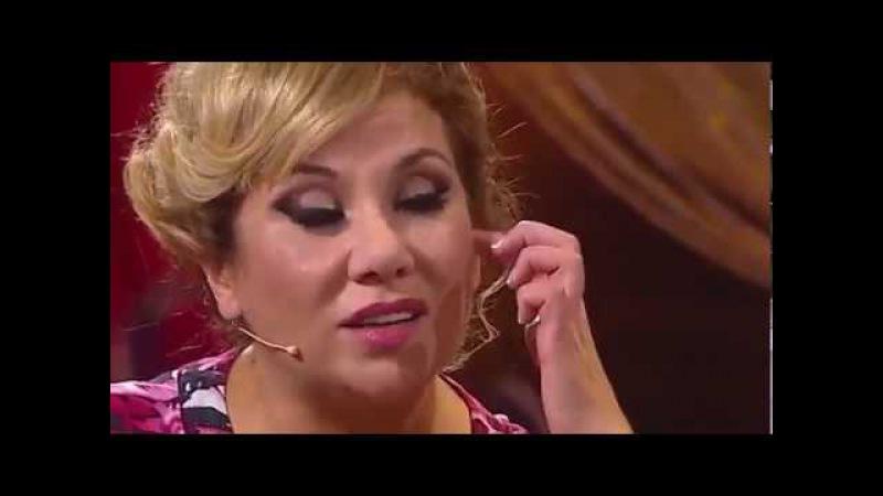 Камеди Вумен 2017 Женщина в кофейне