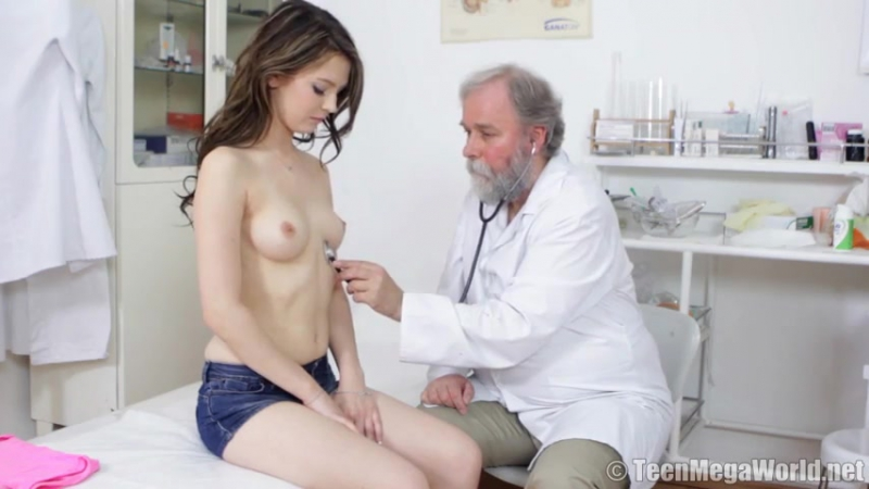 порно врач насилует пациента в коме