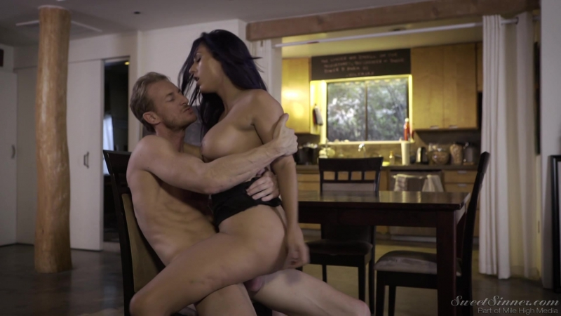 [SweetSinner] Reena Sky - On the Cum back! [Latina,Hardcore,Big Tits,Deepthroat,Blowjob,All Sex,New Porn 2017]