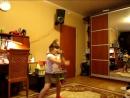Дочка в 5 лет танцует Ган-Гам Стайл )))