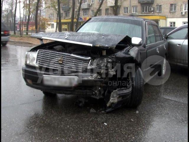 Хабаровская автолюбительница решила, что ее пропускают, и попала в ДТП.MestoproTV