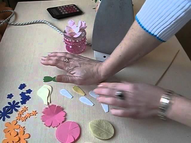 Тестируем корейский фоамиран. Как работать с фигурными дыроколами и фоамираном.
