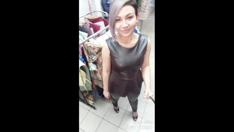 Девчули очень красивый костюм в наличии размер 44 46 цена 2100 руб состав эко кожа и дайвинг. ТЦ вечерний 2этаж отдел фiфа