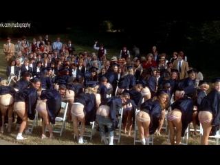 Попки Фиби Кейтс (Phoebe Cates), Бетси Расселл (Betsy Russell) и других в фильме Частная школа (Private School, 1983) 1080p