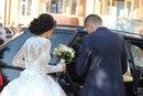 Весільна сукня була пошита на