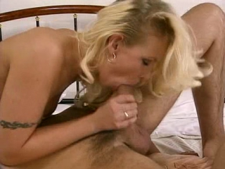 Pretty sex with lesbian babes