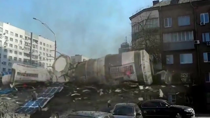 ЧП в Одессе. На Поскот упал спутник. (киевские журнашлюхи)