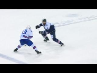Дадонов раздевает Ли и забивает победный гол
