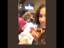 Instagram: @sirenas_fan_ Пока Владимир с Ксю разговаривают, Игорь с Ню целуются, а Лиза снимает рядом видео- наша Сиреночка обож