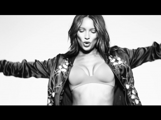 Премьера. David Guetta feat. Justin Bieber - 2U (The Victoria's Secret Angels Lip Sync)[ft]