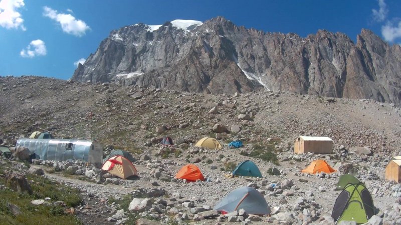 Привет Альпинисты Киргизия Альплагерь Хижина Рацика Алар Ча
