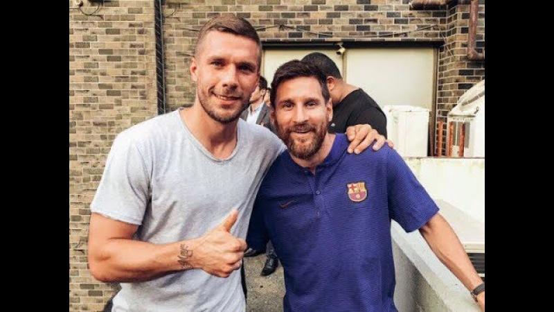 Lionel Messi with fans including Lucas Podolski/Лионель Месси с фанатом Лукас Подольски