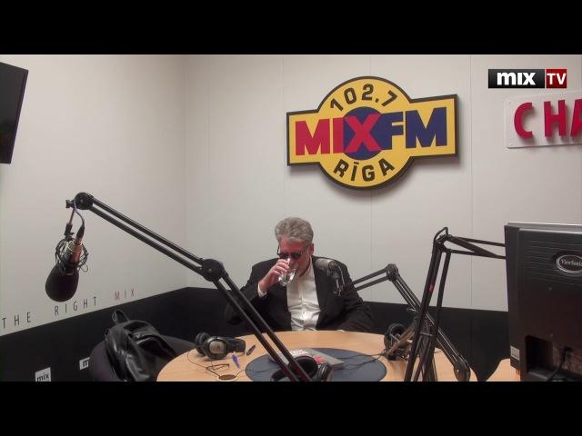 Артемий Троицкий в студии радио MIXFM 102.7 MIXTV