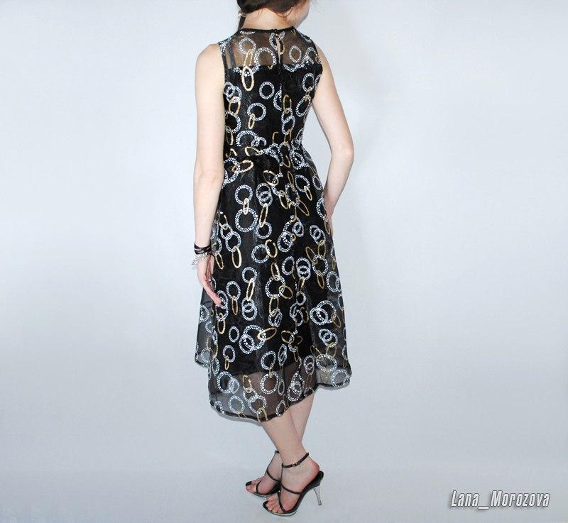 Платье на выход длины миди из органзы