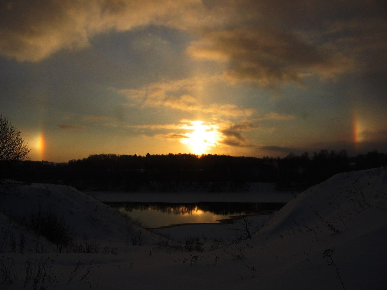Необычные явления. Солнечное Гало в декабре. Село Старая Ладога, Ленобласть