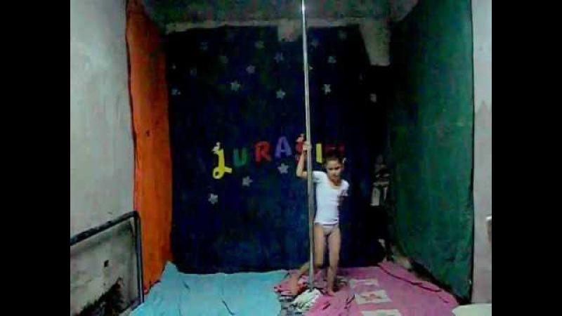 Pole dance baile del caño de dana 8 años