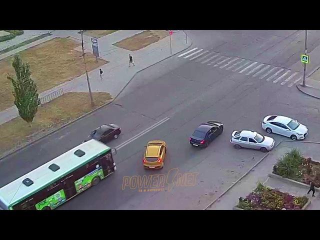ДТП (авария г. Волжский) ул. Мира маг. Заря 19-07-2017 19-47