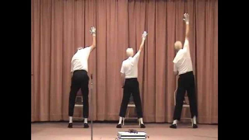 Idosos dançam Billie Jean em asilo
