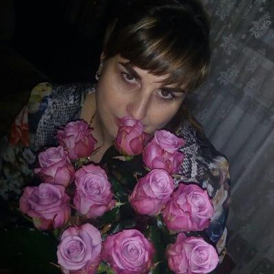 Лора Хомутинникова