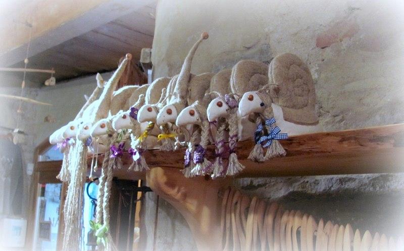 Сувенирные лавочки Таллина   -  продолжение