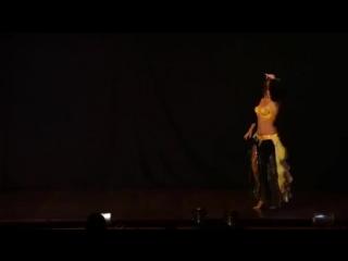 Brazilian Bellydancer Heloisa Caridade improvise 4923
