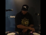 DJ Premier scratching Bishop Lamont's