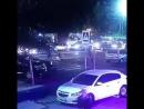 Камера наружного наблюдения одного из магазинов запечатлела момент когда иномарка сбила женщину и ребенка. Женщина впоследствии