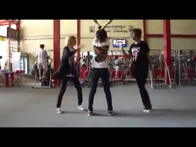 Челкастые танцуют