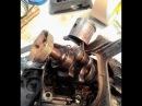 БензоТриммер Husqvarna 128r / Хускварна 128R замена поршневой, стрелка на поршне, ремонт.