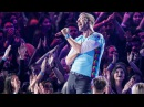Coldplay | Chester Tribute Sings Crawling LIVE