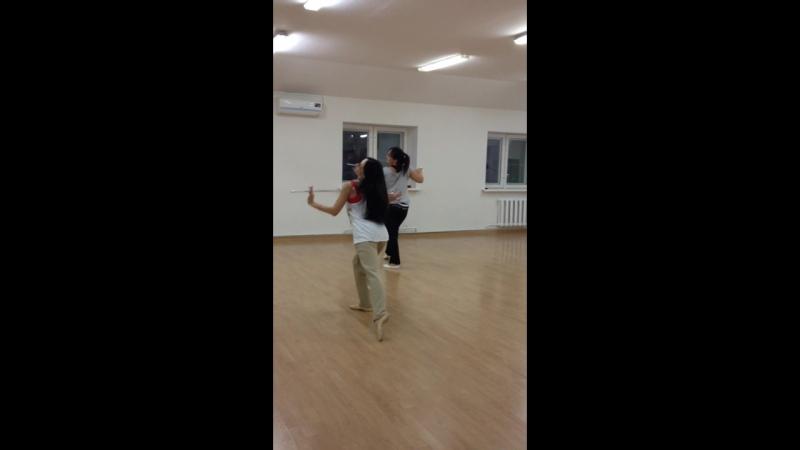 Шоу-Денс , танцуем с удовольствием ! Продолжаем учить новую связку. Приглашаем Всех😊❤✨👍🏻