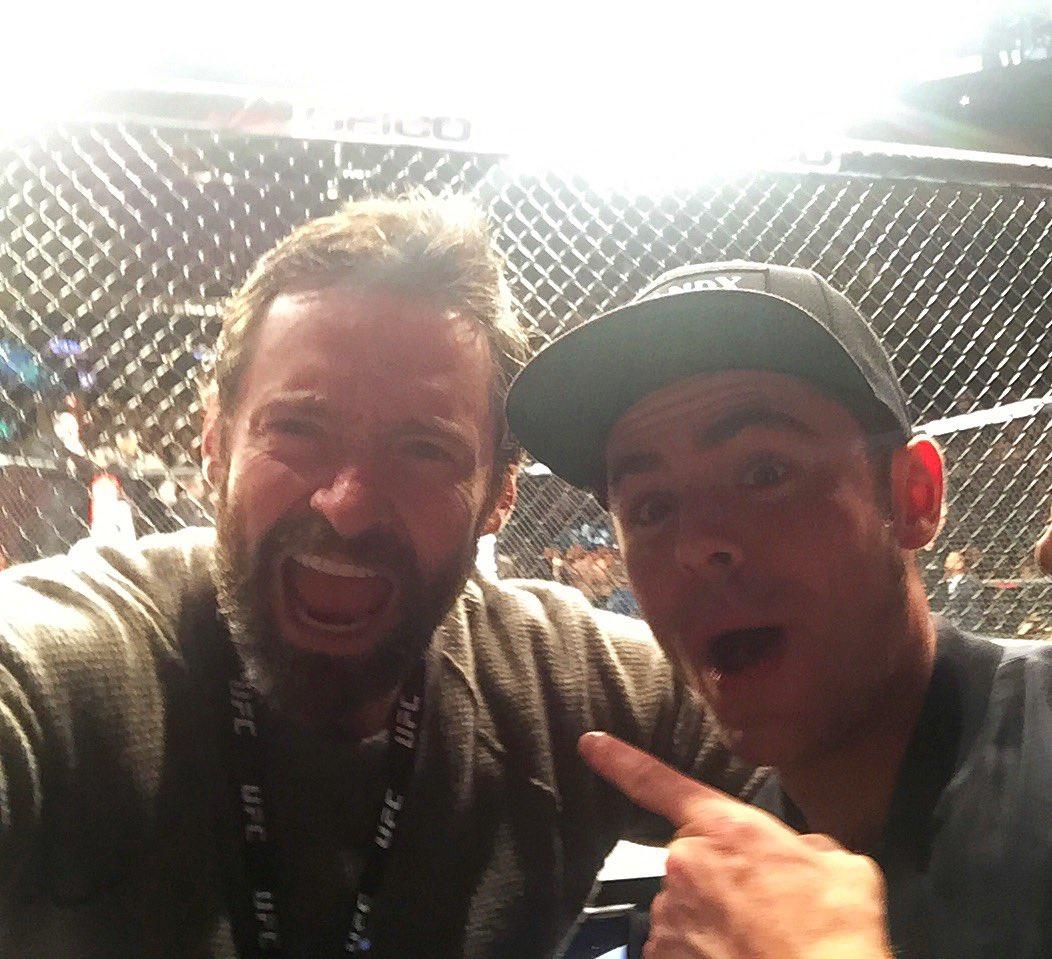 Зак Эфрон и Хью Джекман на UFC 205