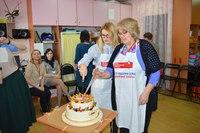 Фонд «Обнаженные сердца» поздравил «Верас» с 17-летием и подарили чек на 1 миллион рублей