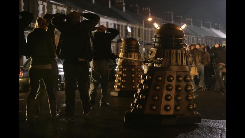 Доктор Кто - 4 сезон 12 серия - Украденная Земля (BaibaKo.TV) | TARDIS time and space