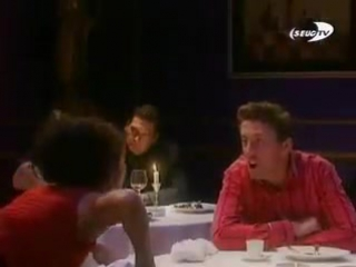 девушка пердит в ресторане