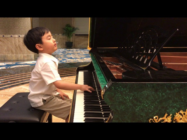 Chopin Minute Waltz by 5-Year-Old Evan Le