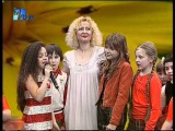 BIANCA LIXANDRU  9 ani  '' MAMA E UN INGER SAU O STEA ''   la TV H2 O  martie 2012
