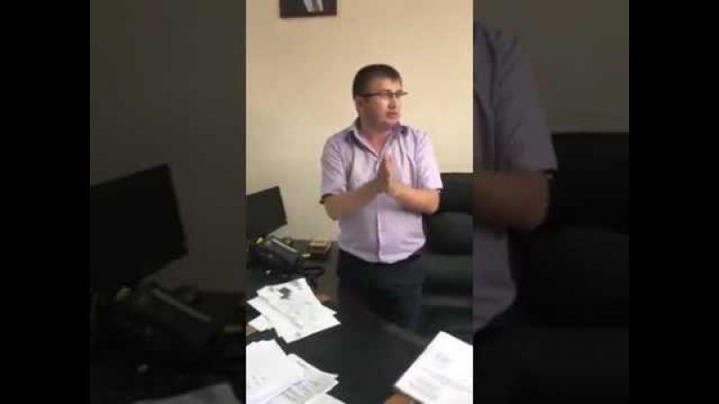 Атошники из Гостомеля пришли к начальнику земресурсов Киево Святошинского райо...