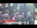 Новорічні пустощі у Таїланді слони обливали водою перехожих