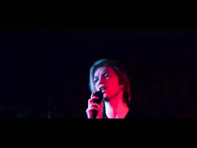 Danny Kado - Young Americans (David Bowie Cover) - Live - CHOKER BAR