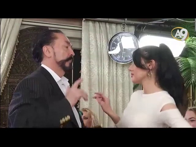 Sırp güzel Adnan Oktar a yakınlaşıp dans etmeye başladı a9tv harun yahya