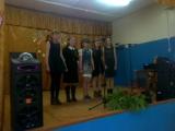 видео0012 внученька с одноклассницами поют.