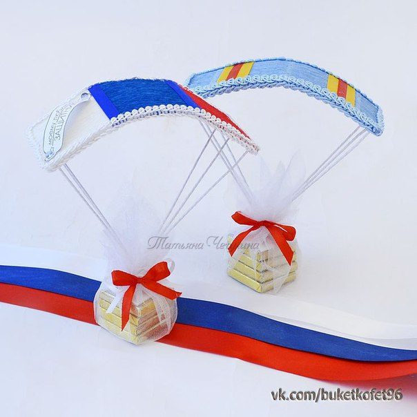 Подарок десантнику из конфет 2
