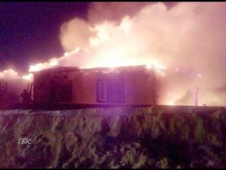 Нарушение правил безопасности при эксплуатации печи в бане спровоцировало крупный пожар в усадьбе