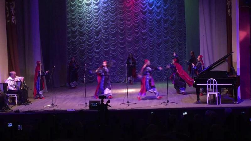 Ансамбль Молодость Дагестана - Отрывки из Дидойского танца
