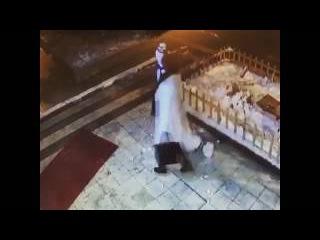 Kardan adamın intikamı 😂(orjinal video) Çılgın kadının hazin sonu 😱 Komik video